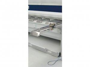 masub Schroeder Motorische Tafelschere Pdc Tischaufbau Mit Auswechselbaren Edelstahlauflageblechen